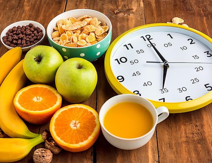 食水果 要講究時間?