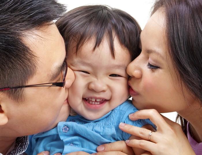 輕吻寶寶 恐感染疱疹病毒