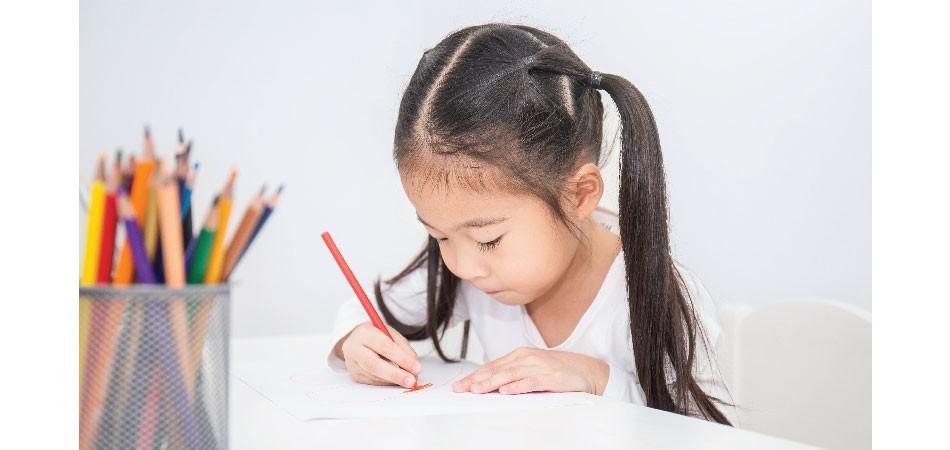 要孩子坐定定提升專注力有乜計?